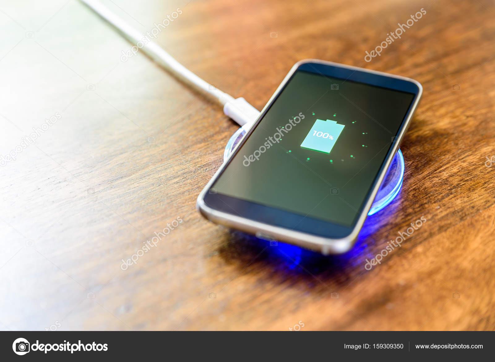ladestation smartphone best fr die verbindung von ladestation zu tablet oder smartphone benutzt. Black Bedroom Furniture Sets. Home Design Ideas