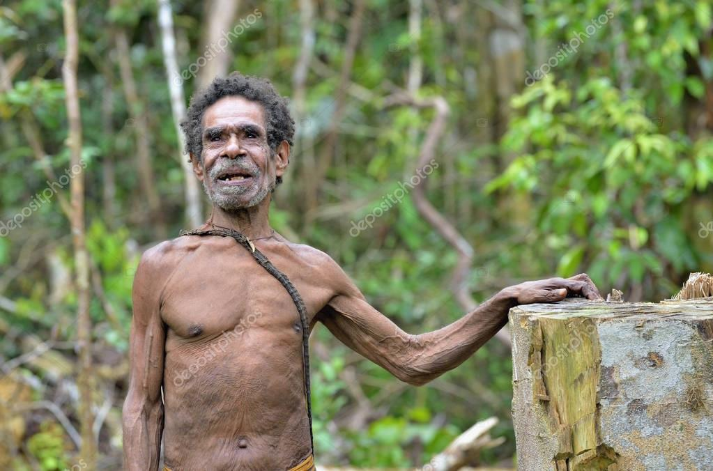 Papuan old man from korowai tribe – Stock Editorial Photo © SURZet
