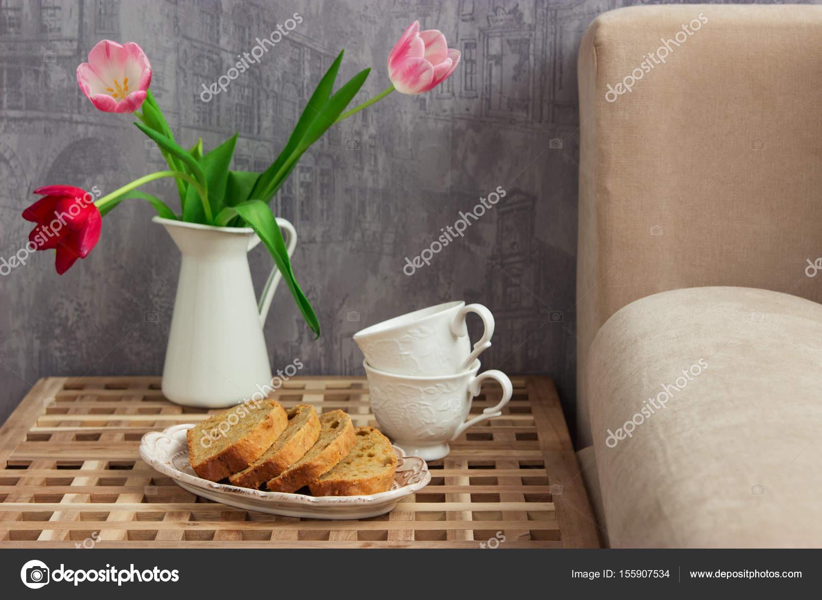 Zitronen Kuchen Tisch Bett — Stockfoto © Spring_melody #155907534