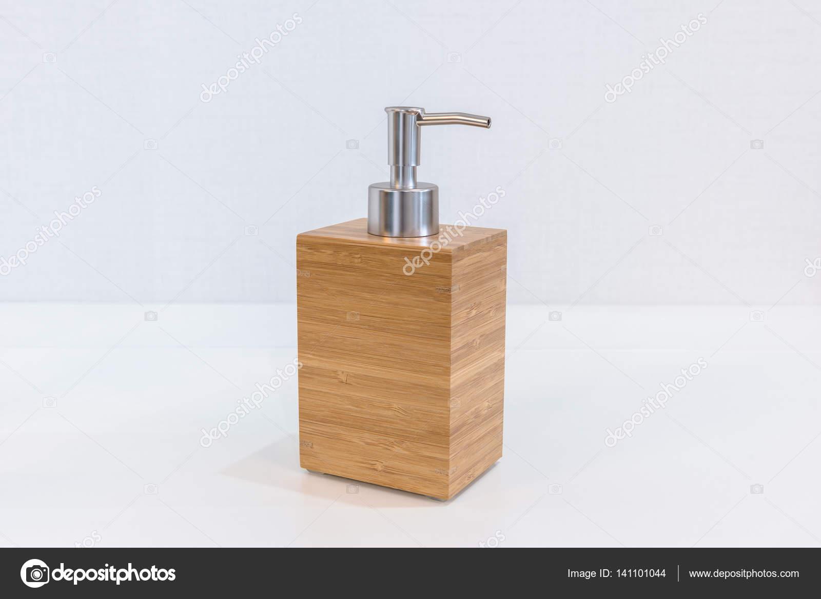 Awesome accessori bagno legno ideas for Accessori bagno in legno