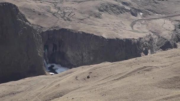 Vodopád v pohoří Kavkaz