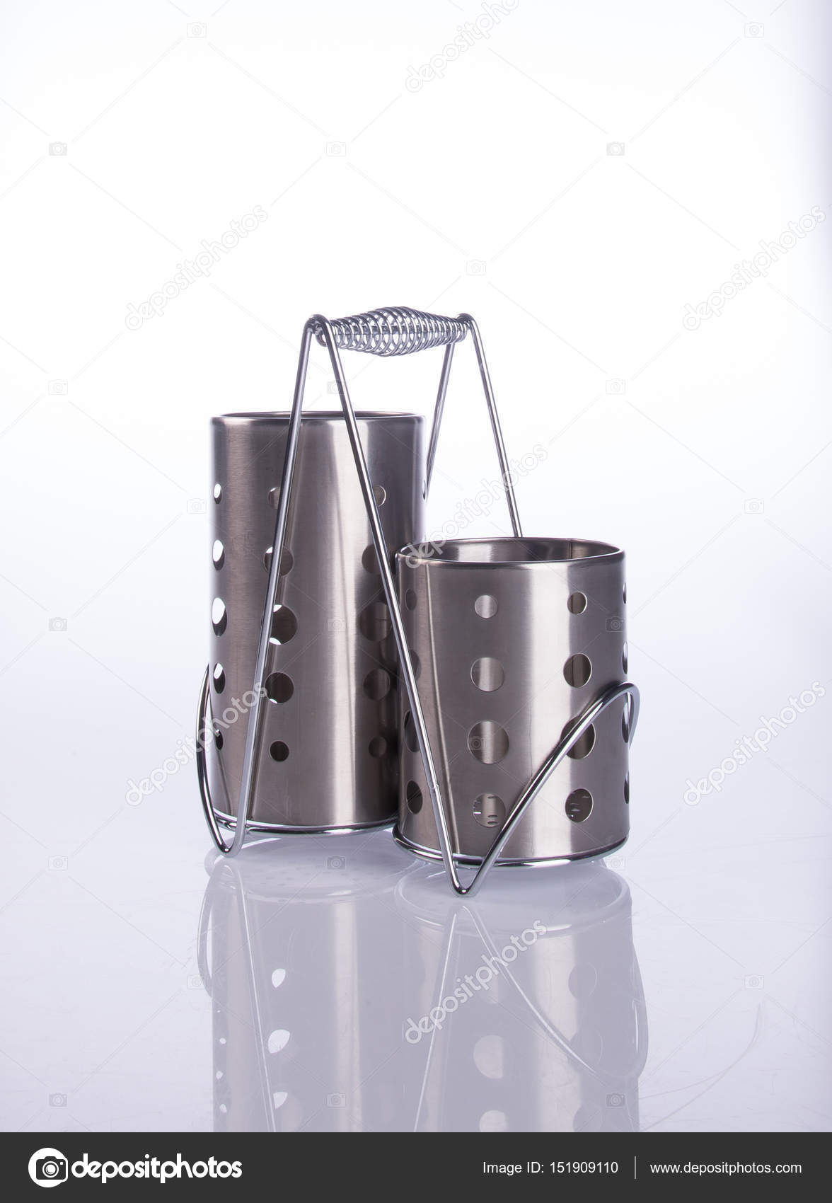 Porte ustensiles de cuisine sur fond photographie - Porte ustensiles de cuisine ...