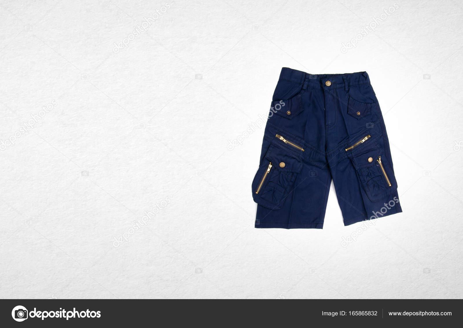 5eec06ba608 Του παντελονιού ή του παιδιού σορτς της λαχανιάζω στο παρασκήνιο —  Φωτογραφία Αρχείου