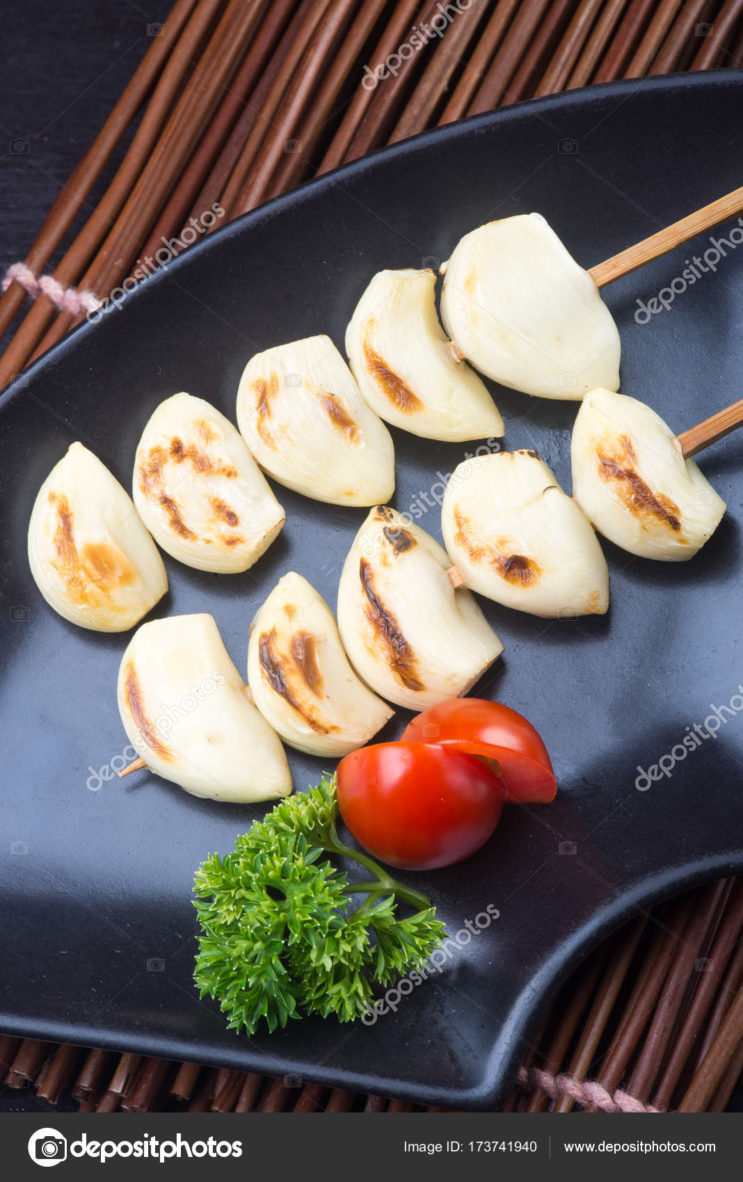 Cocina Japonesa Ajo Japones Bbq En El Fondo Fotos De Stock