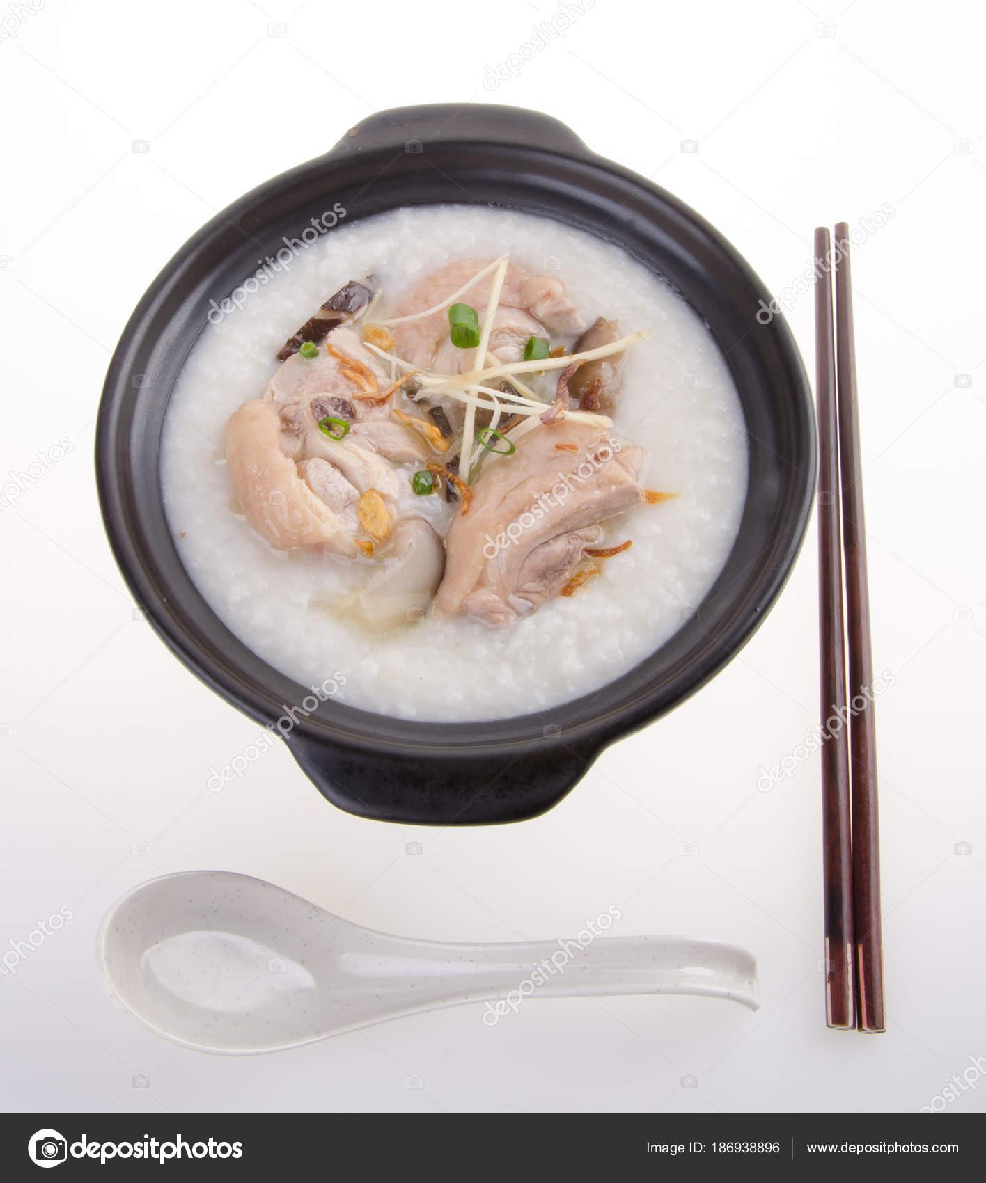 Традиционной китайской каша рисовая каша служил в паровой.