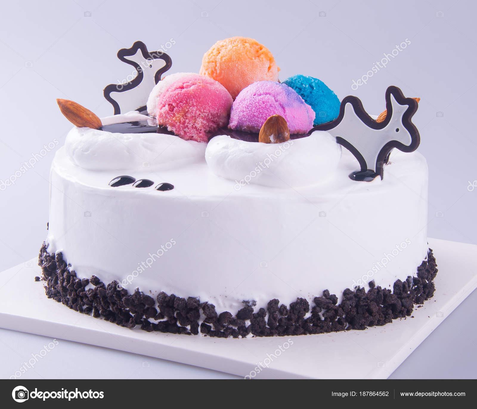 Dondurmalı Sıcak Çikolatalı Kek