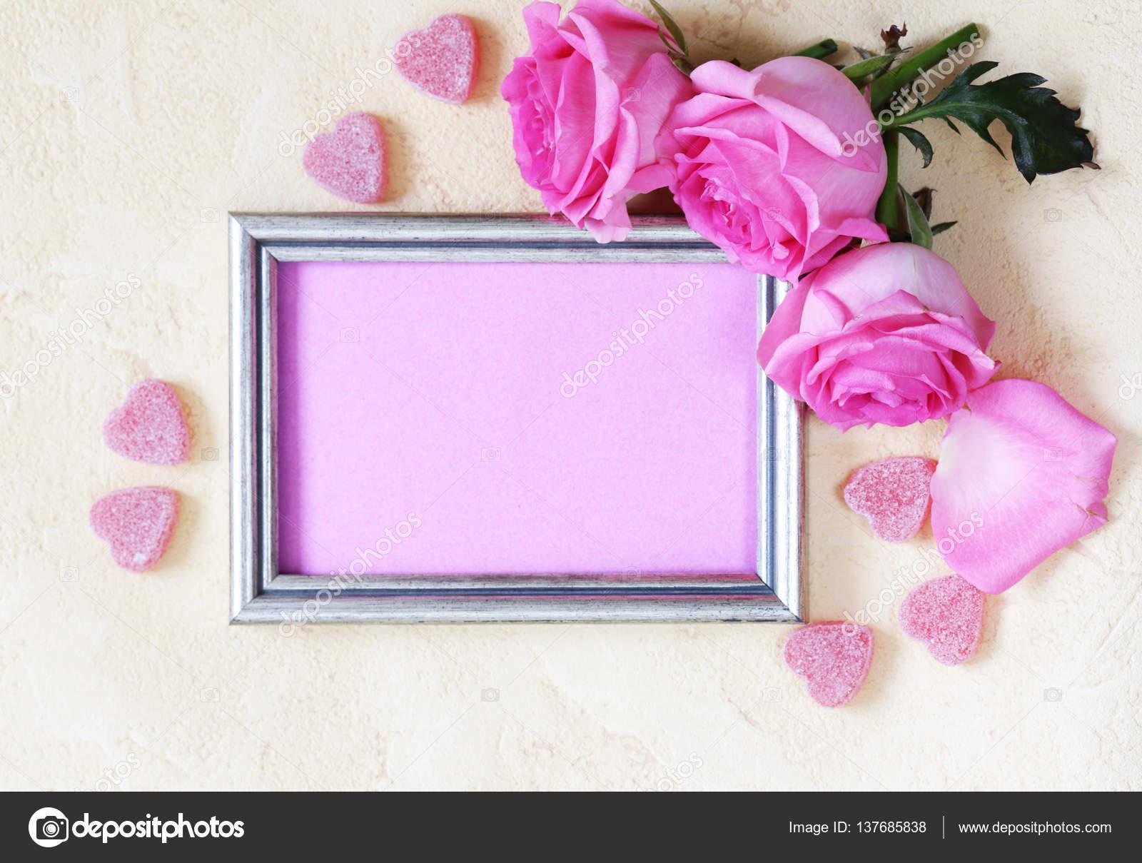 Rosa Rosen-Blumen, Rahmen für Text und Herz für Valentinstag Urlaub ...
