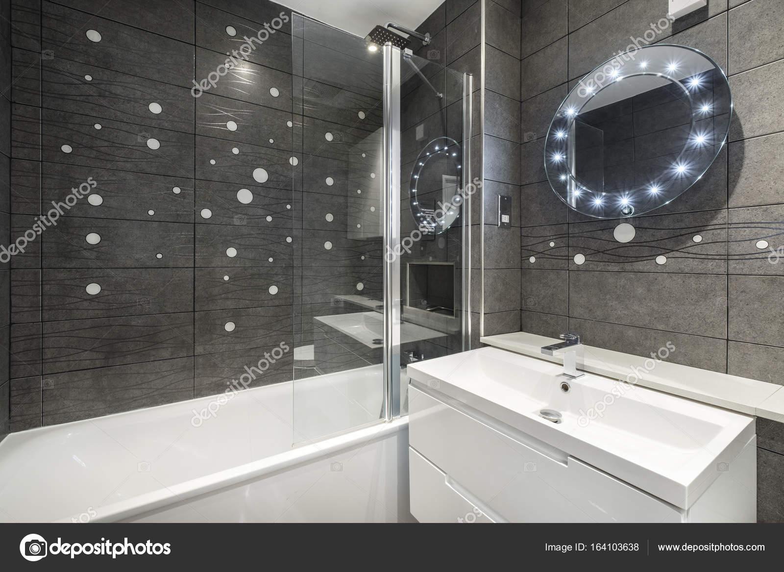 luxe moderne badkamer — Stockfoto © jrphoto #164103638