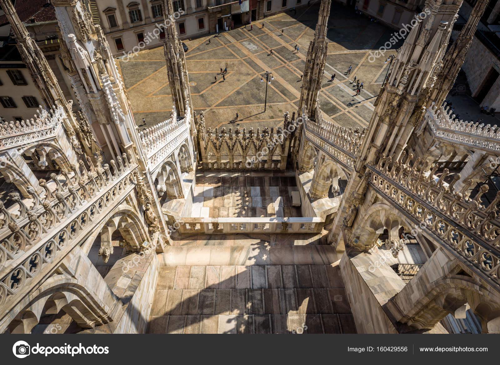 La terrazza del Duomo Milano — Foto Stock © scaliger #160429556