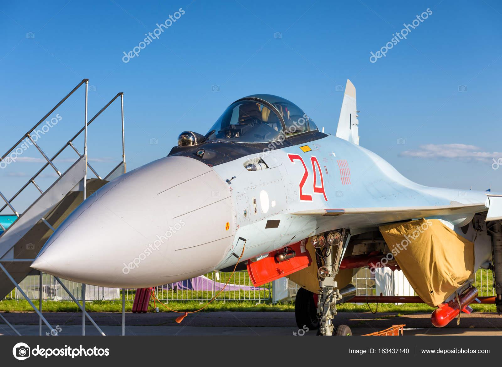 Modern Russian strike fighter Sukhoi Su-35 – Stock Editorial Photo