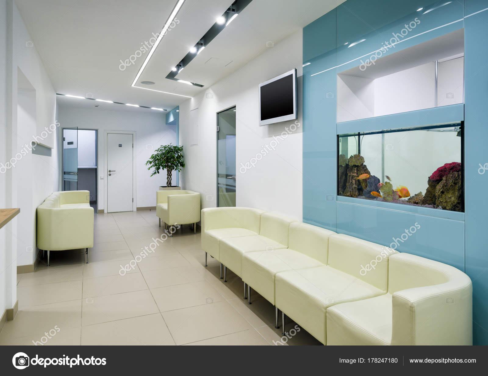 Interior da cl nica moderna fotografia de stock editorial scaliger 178247180 - Clinica dental moderna ...