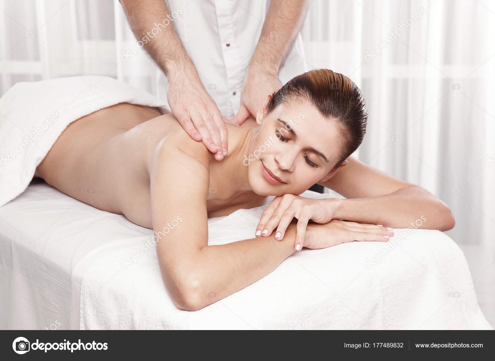 С чего делать массаж девушке эротический массаж для мужчин в москве частные объявления