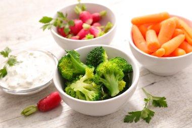 rainbow vegetarian salad
