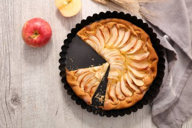 close up on apple pie