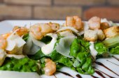 Thai pikante Meeresfrüchtesalat