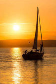 napnyugtakor ég Balaton felett