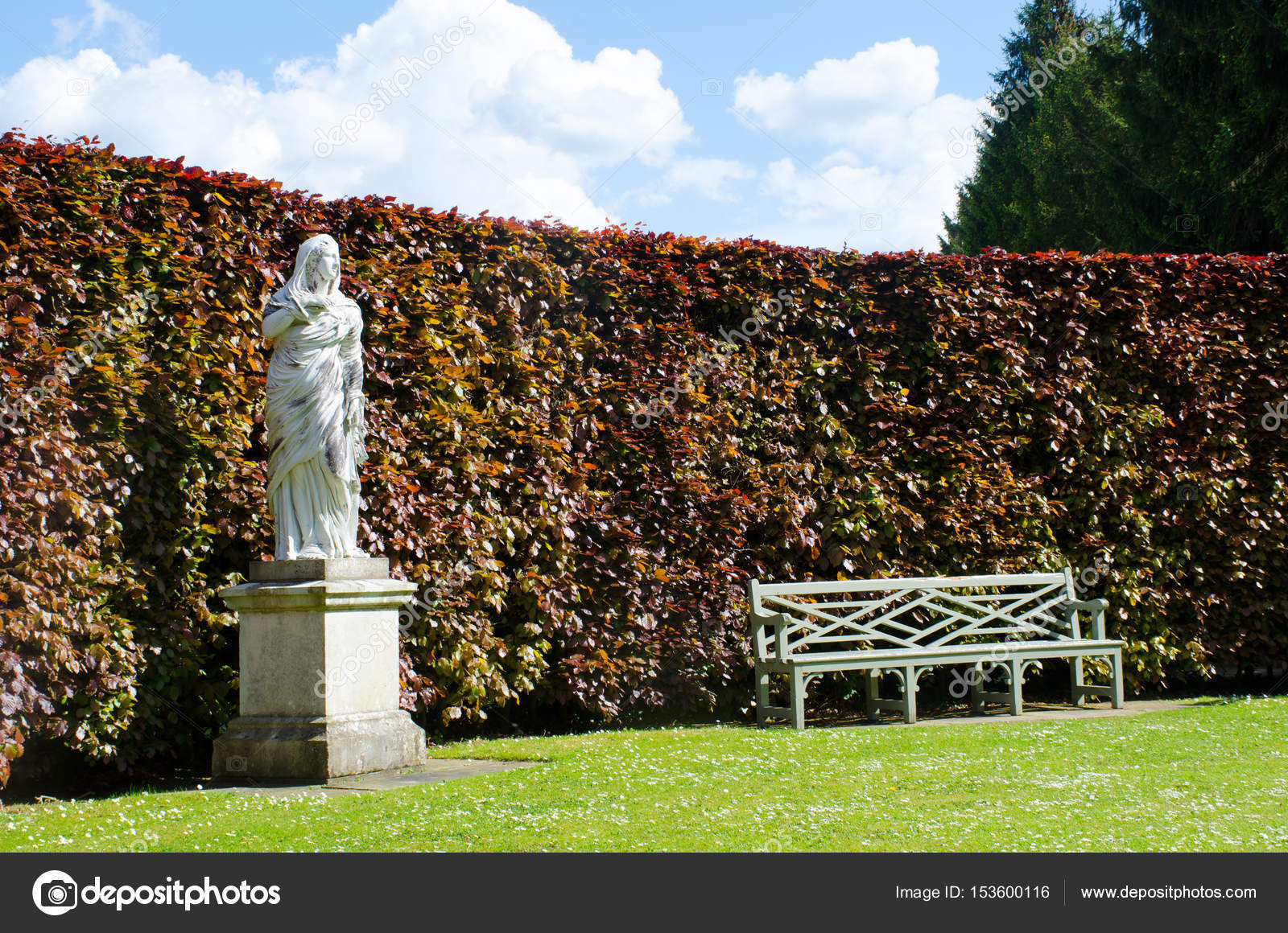 Statue with Bench in Formal English Country Garden — Stock Photo ...