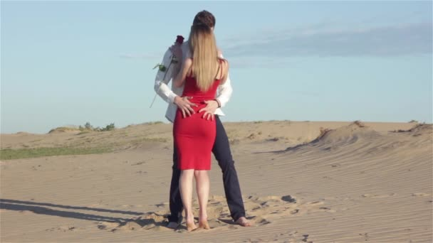 Smyslné pár v poušti