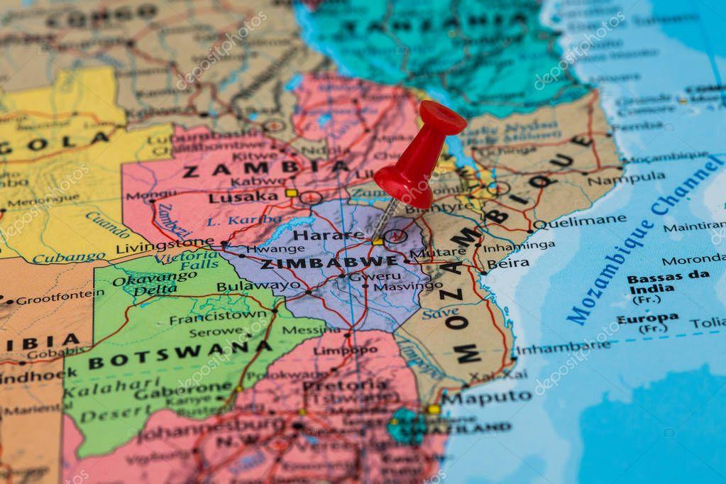 Mapa de zimbabwe con una chincheta amarilla pegada fotos de stock mapa de zimbabwe con una chincheta amarilla pegada fotos de stock gumiabroncs Choice Image
