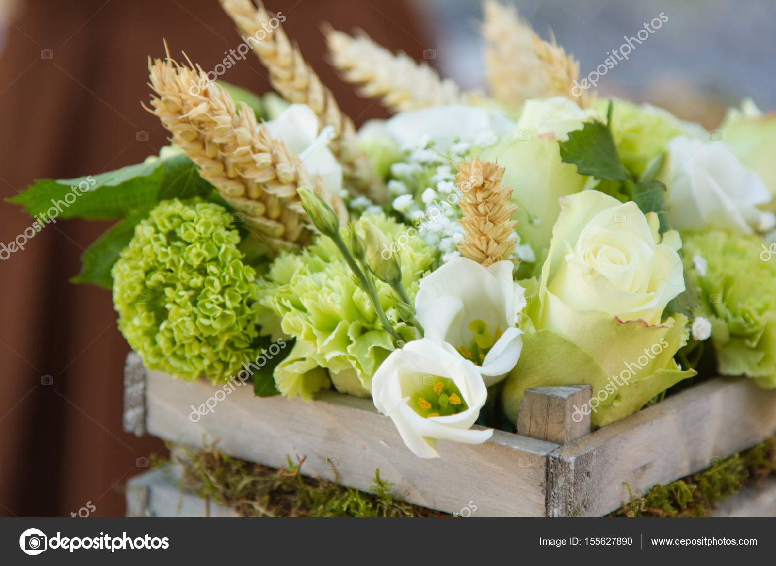 294146f0fcb0 Στολισμός γάμου με λουλούδια — Φωτογραφία Αρχείου · Ένα λουλούδια γάμου  διακόσμηση — Εικόνα από ...