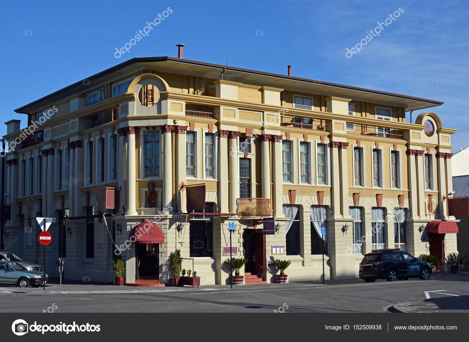 Napier nouvelle z lande 27 avril 2017 the county for Deco hotel napier