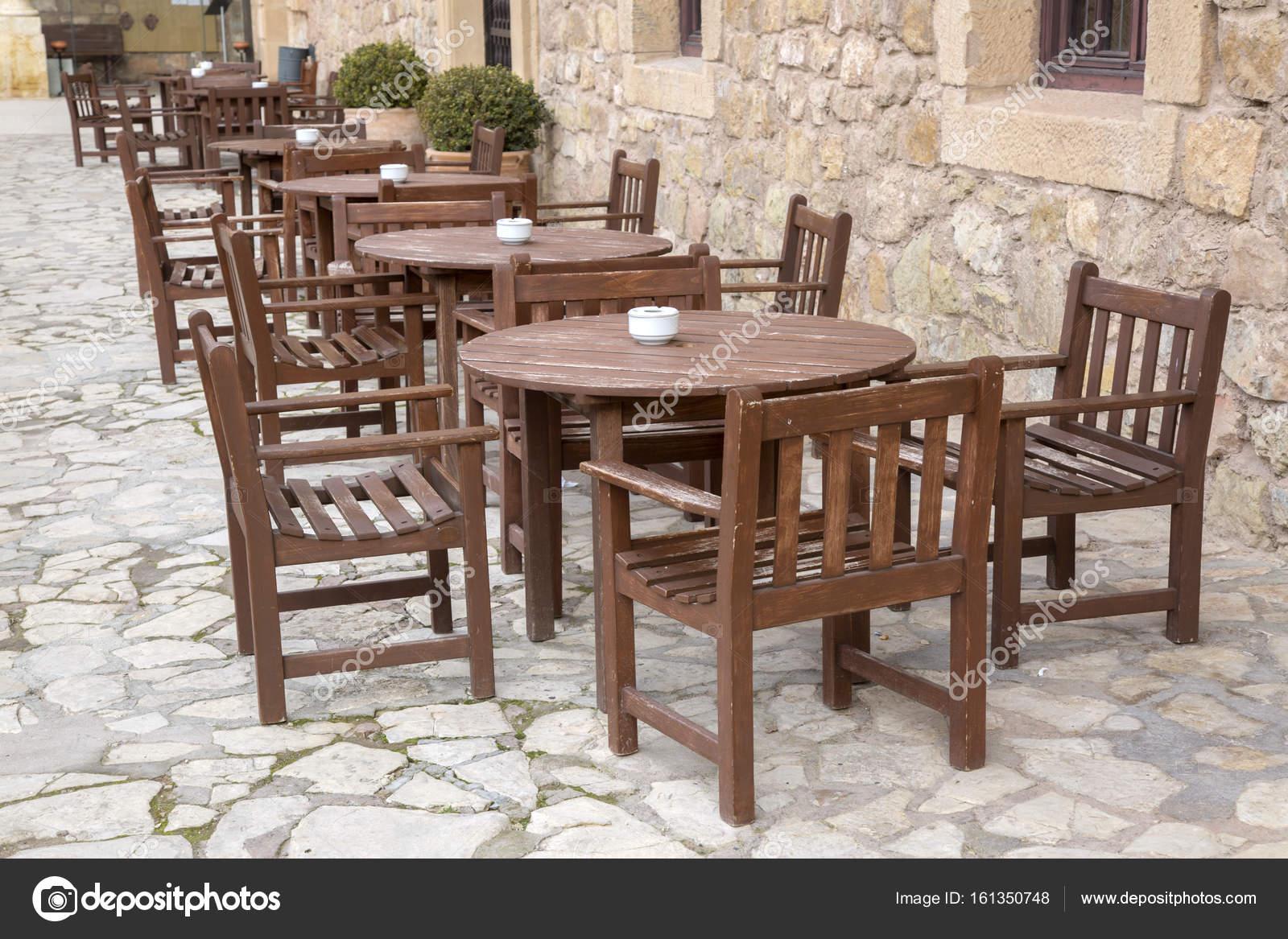 Sedie e tavoli bar u foto stock kevers