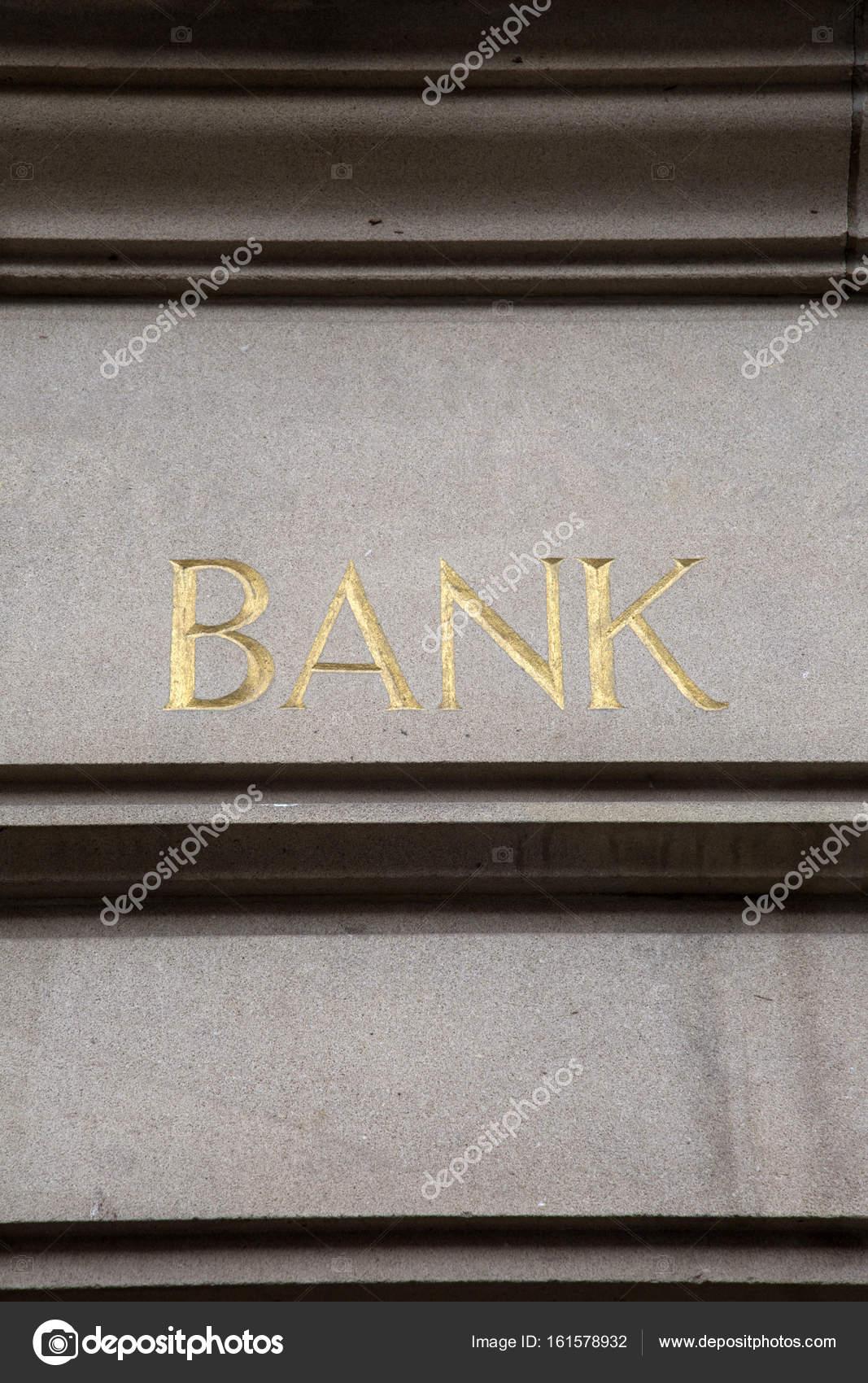 Gros plan de la bancaire signe — Photographie kevers ©  161578932 8a22c319f95