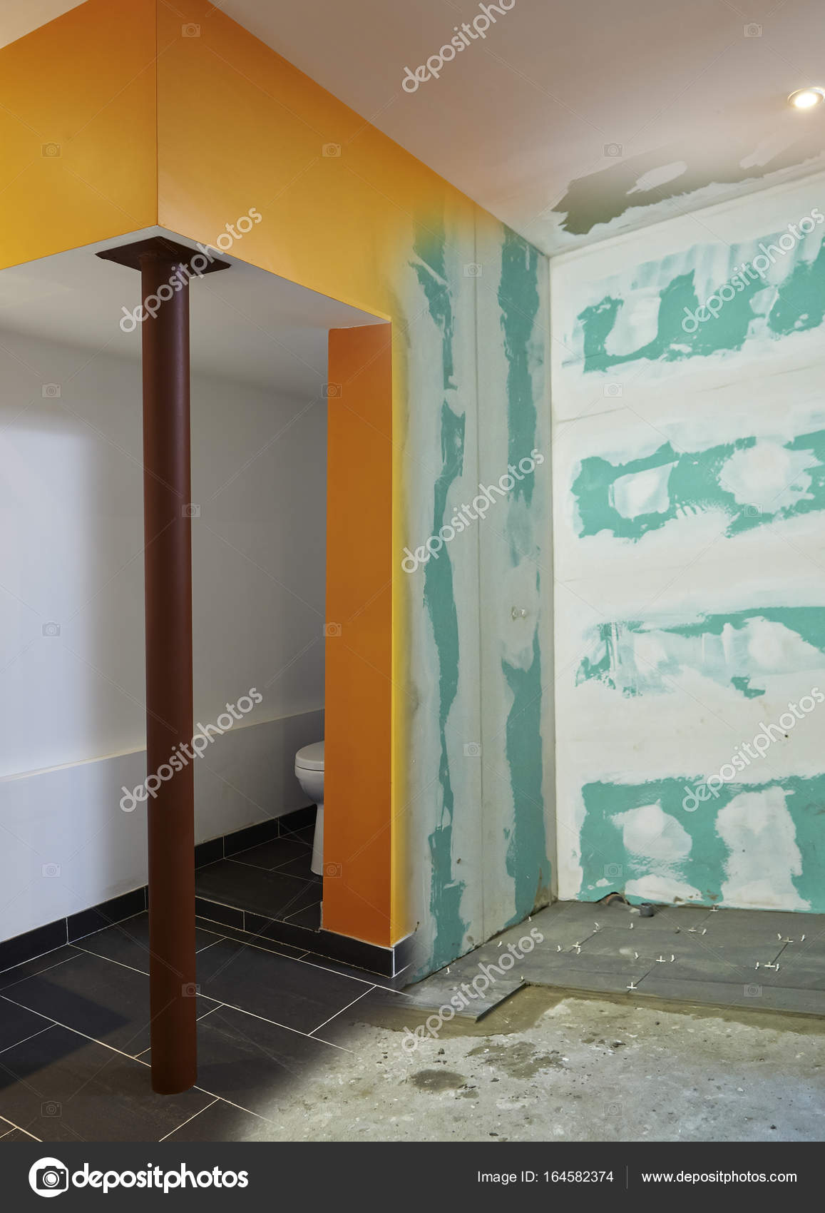 Construction of Drywall-Plasterboard bathroom — Stock Photo ...
