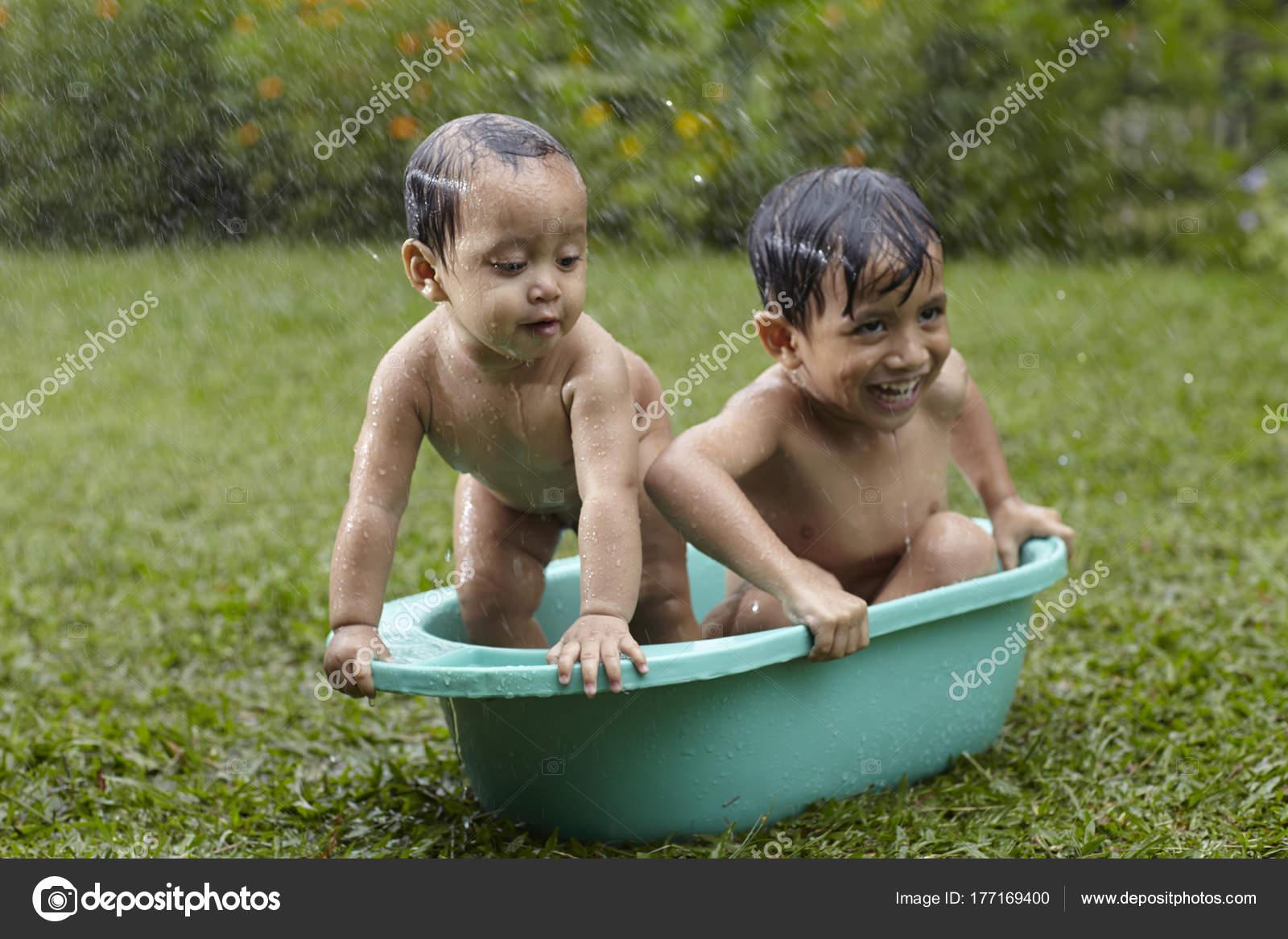 Я была с братом в ванной, В ванне с сестрой- читать бесплатно порно рассказы 19 фотография