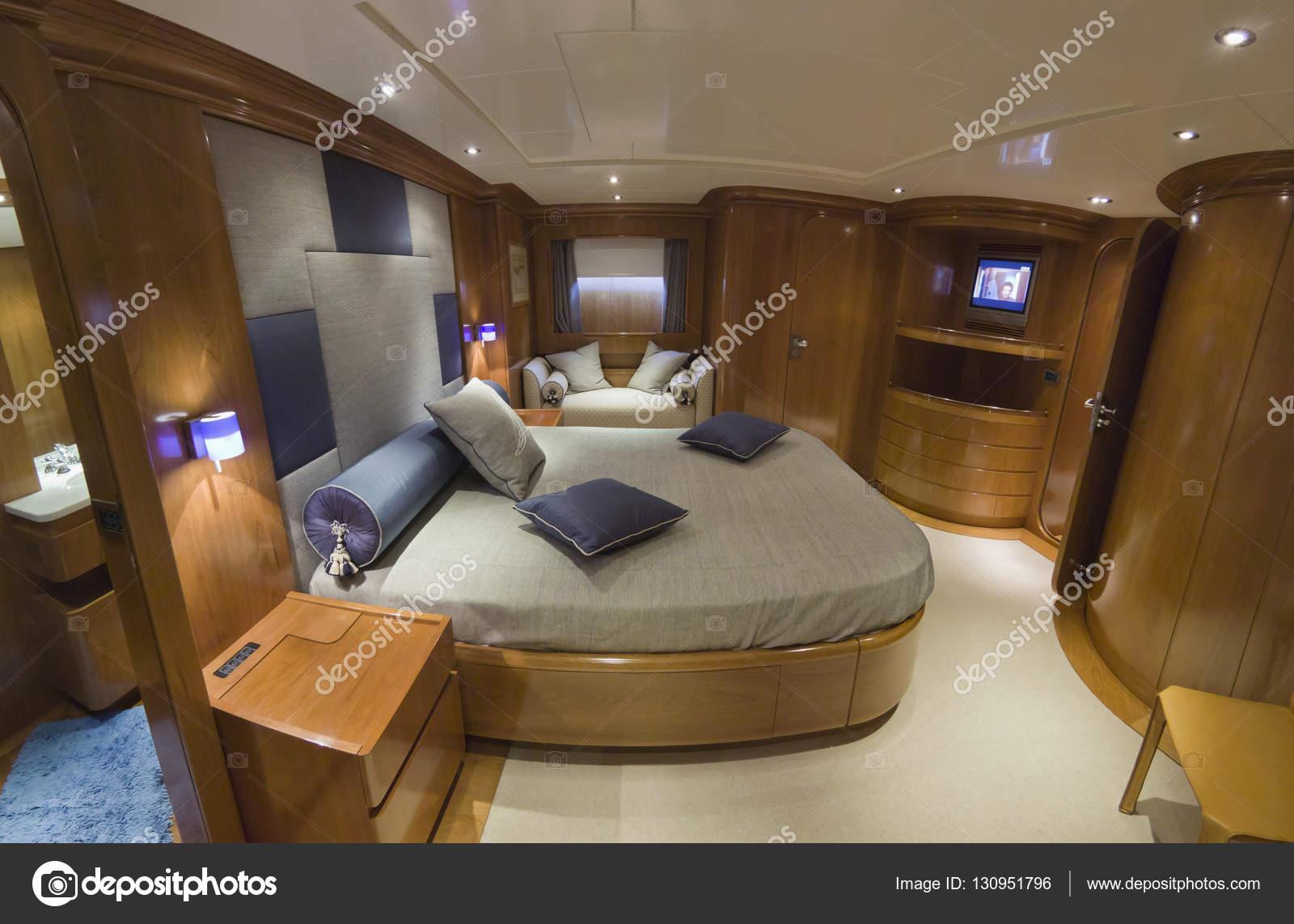 Italien, S.Felice Circeo (Rom), Luxus-Yacht, Schlafzimmer ...