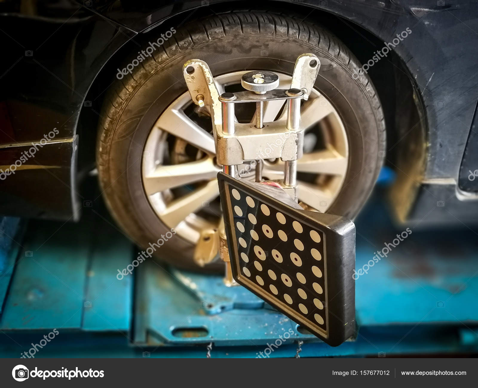 Alignment And Balancing >> Wheel Alignment Balancing Stock Photo C Wonderisland