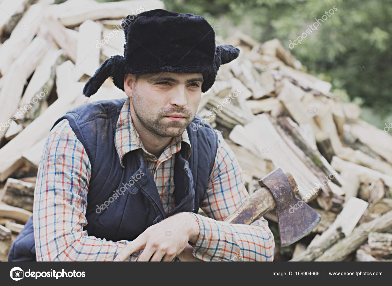 leñador en el sombrero — Fotos de Stock © solstudio  169904666 64d319b6664