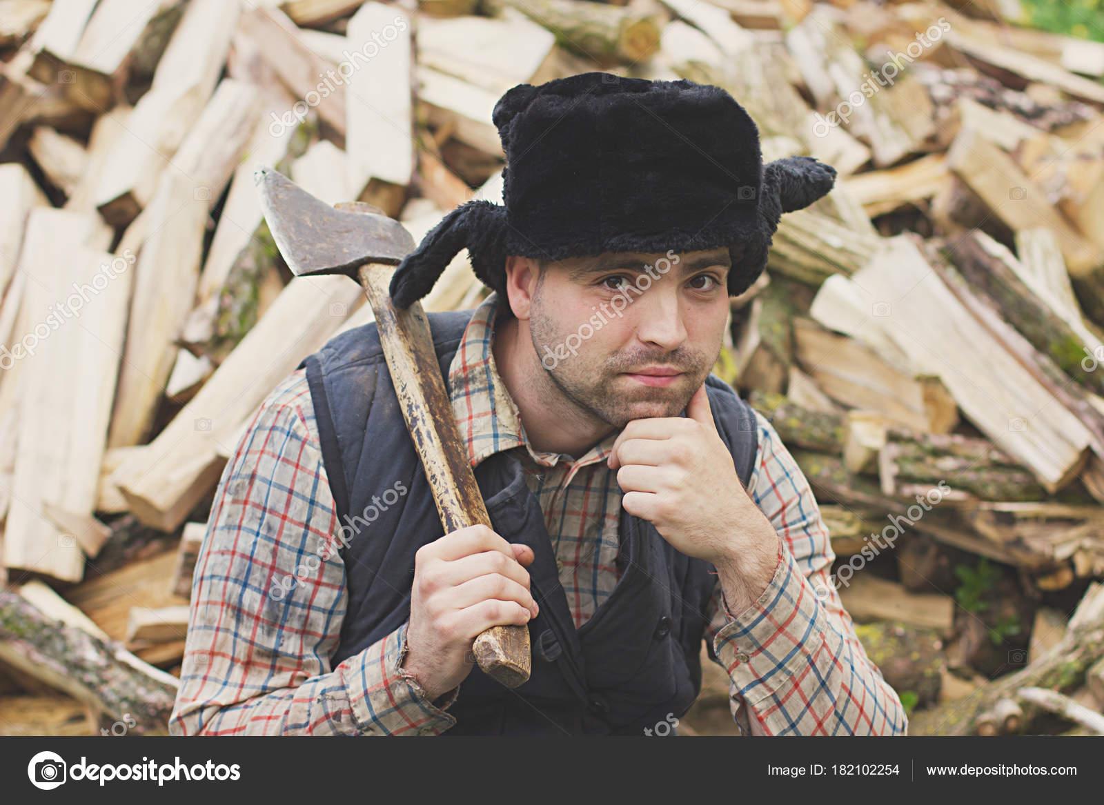 leñador en el sombrero — Fotos de Stock © solstudio  182102254 4cea99b8567