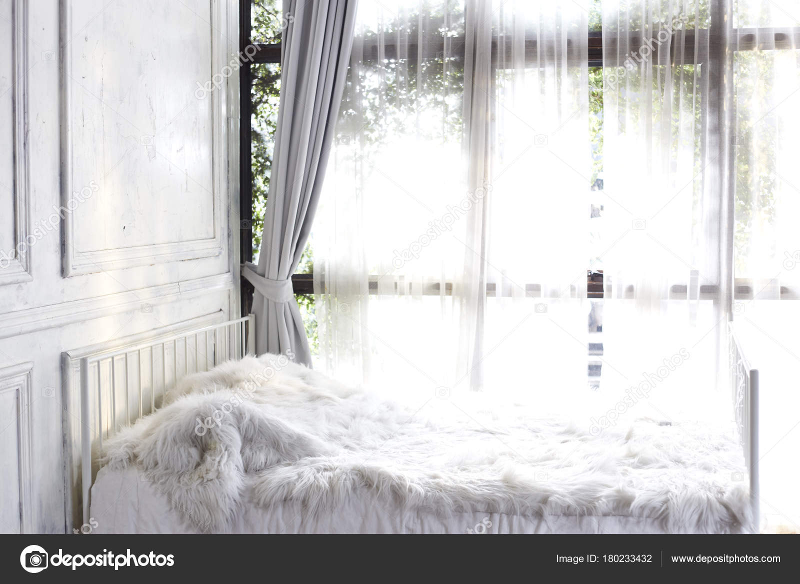 Picture of: Pictures Curtains Bay Windows White Bedroom Bay Window Curtain Stock Photo C Pongans68 Gmail Com 180233432