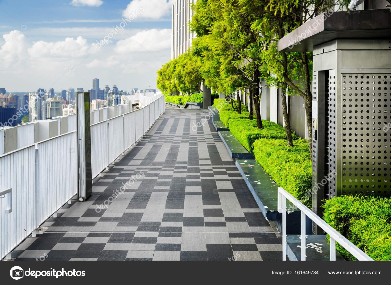 Fabelhaft Garten Terrasse Sammlung Von Schöne Dachterrasse Mit Garten. Mit Malerischen Park