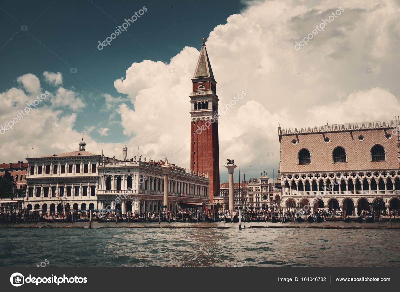 Piazza San Marco paseo marítimo ver — Foto de stock © rabbit75_dep ...
