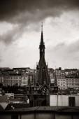 Prager Skyline Blick von der Dachterrasse mit historischen Gebäuden in der Tschechischen Republik