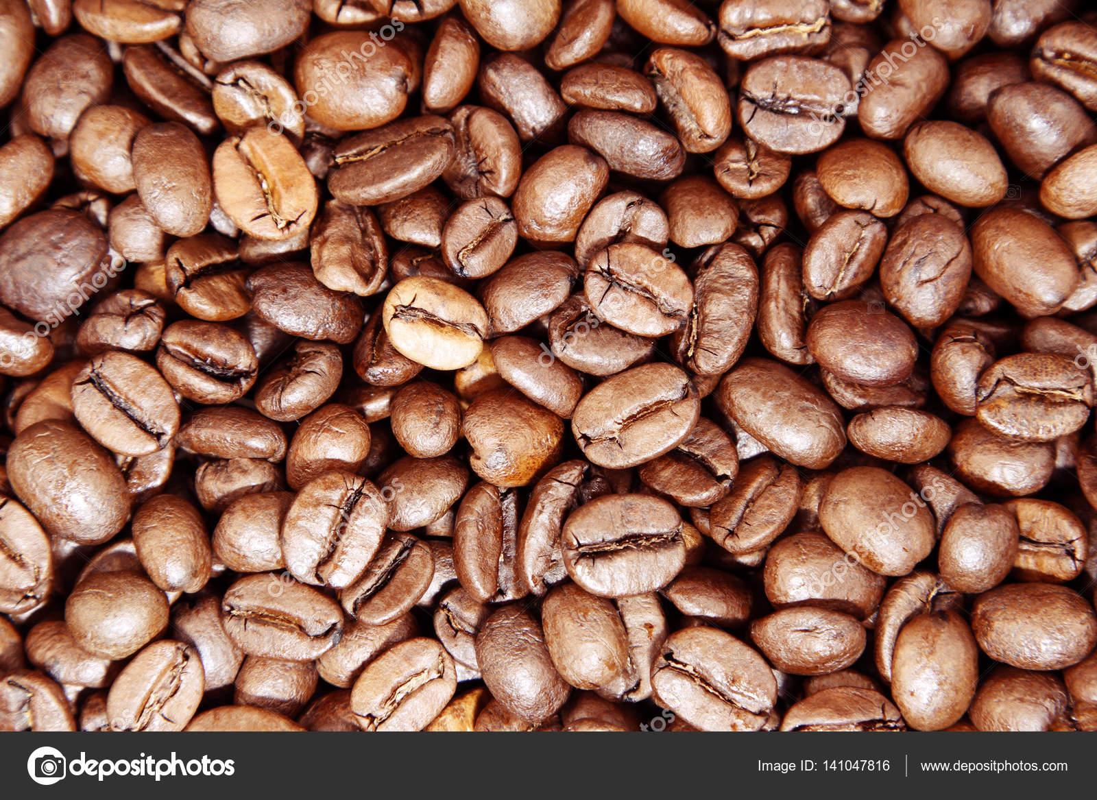 Licht Gebrande Koffiebonen : Gebrande koffiebonen u stockfoto stillfx