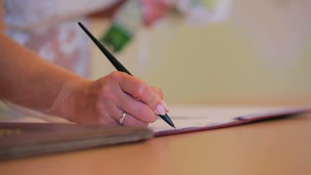 Certifikát Podepisování svatební nevěsta