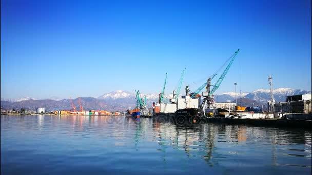 námořní přístav načítání lodě nákladní loď Batumi