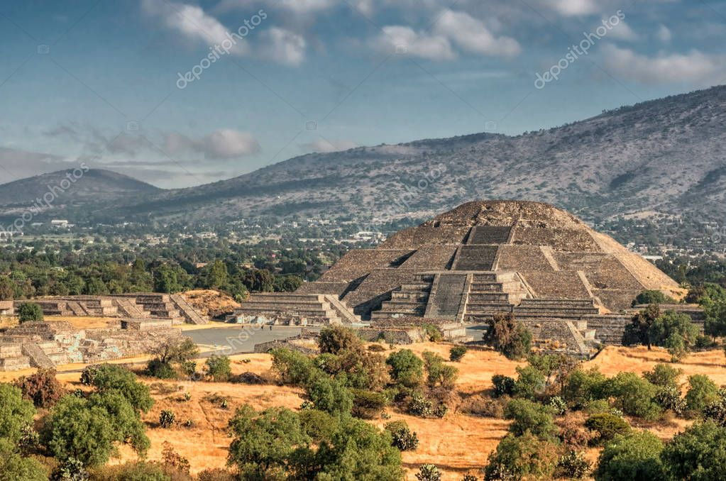 Pyramid of the Moon and the road of death