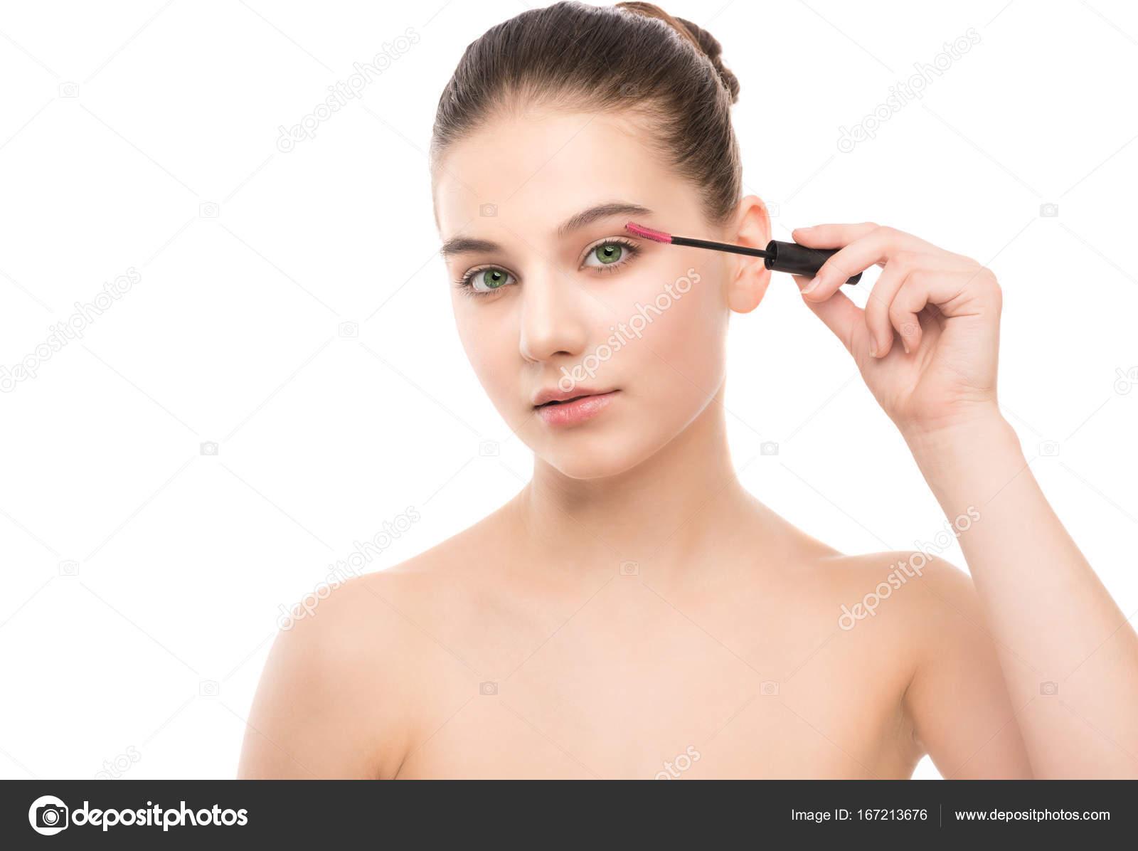 Cildinizi Makyaja Hazırlamak İçin Ne Kullanılmalıdır