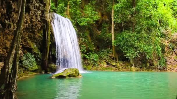 Erawan vízesés Nemzeti Park Kanjanaburi Thaiföld