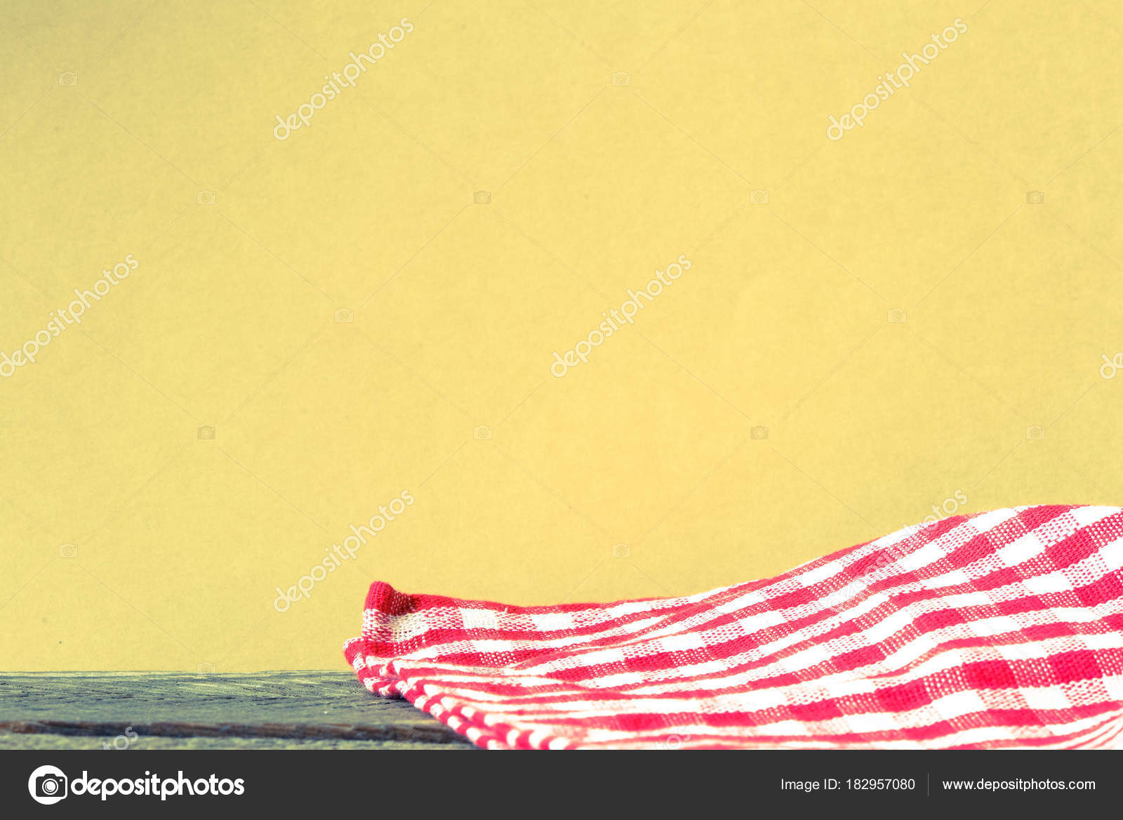 Red White Checkered Tablecloth Wooden Background U2014 Stock Photo