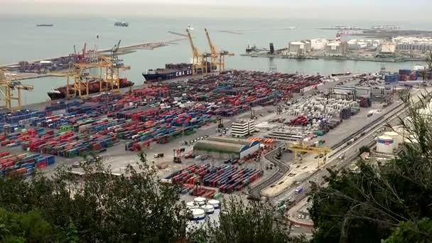 Nákladní přístav. Barcelona, Španělsko