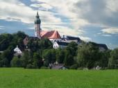 Fotografie Blick auf das Benediktinerkloster und ehemalige Kloster Andechs, Deutschland