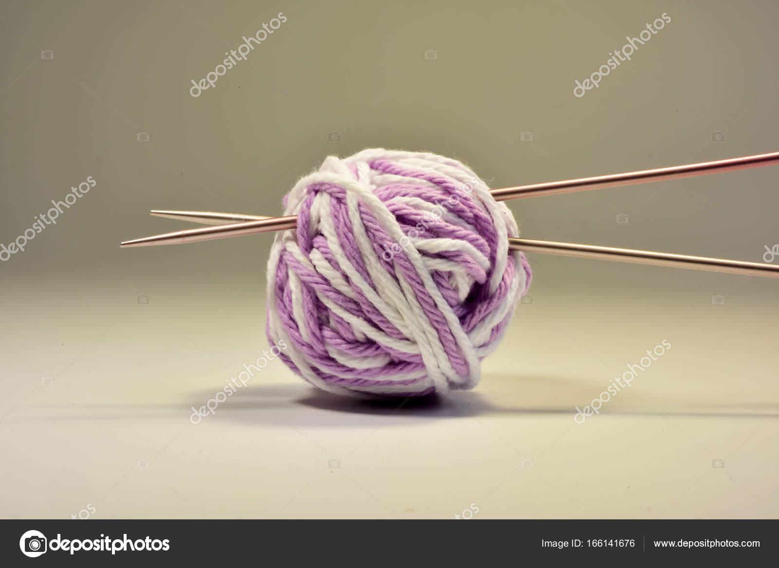 Baumwollgarn für die Strickerei — Stockfoto © coconat #166141676