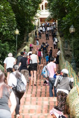 People arriving at Doi Suthep, Chiang Mai