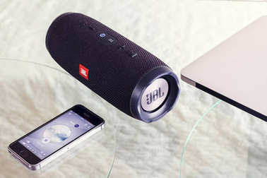 Portable speaker JBL Charge 3 and iPhone