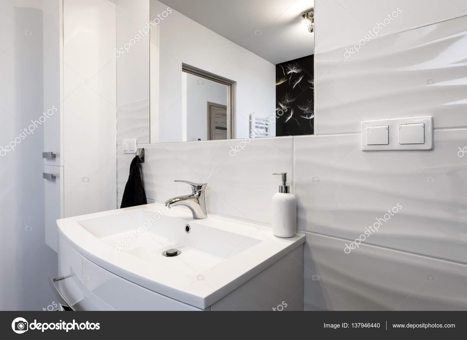 Komfortables Bad Modernes Design In Schwarz / Weiß Stil U2014 Foto Von  Jacek_kadaj